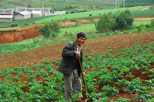 https://foodfreedom.files.wordpress.com/2010/05/china-farmer.jpg